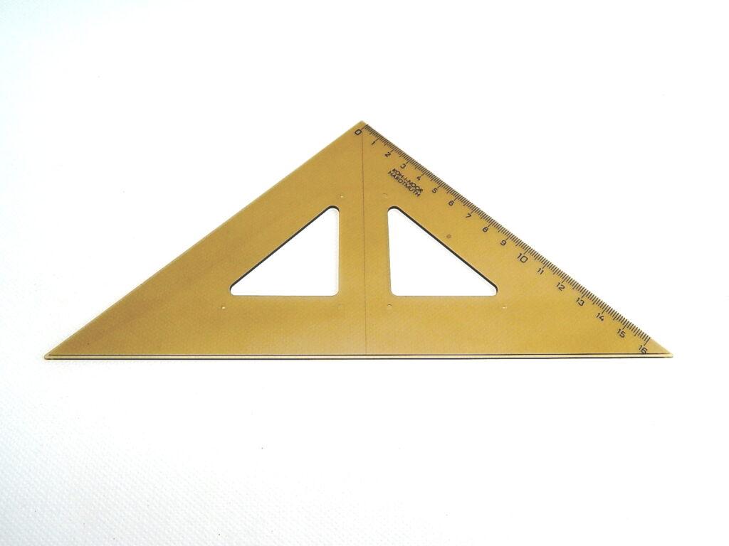 Trojúhelník 744101 45/141 kouř.s kol.