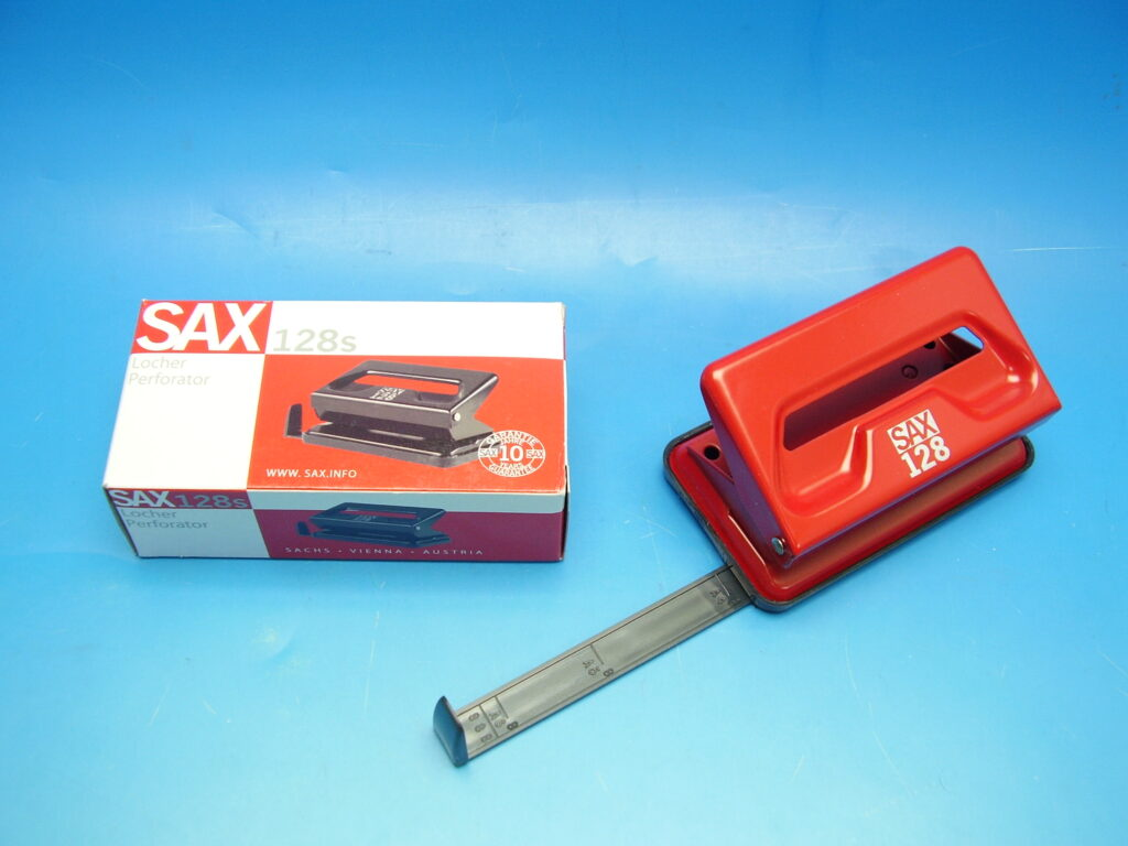 Děrovačka SAX 128 červená / 7310019004