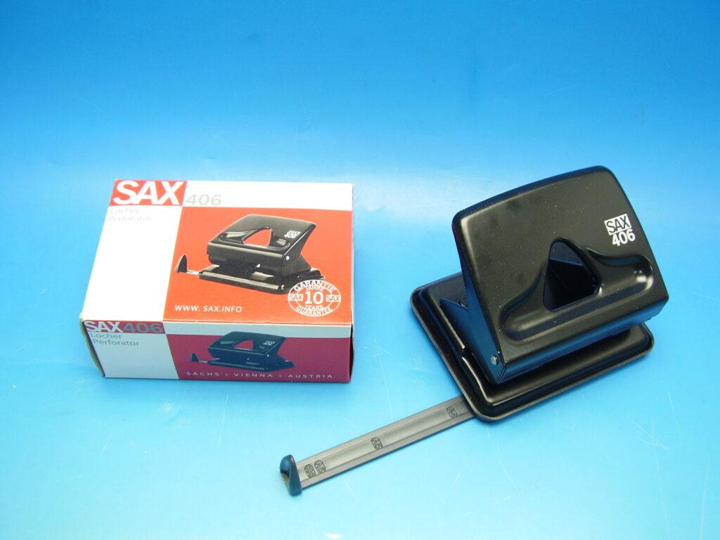 Děrovačka SAX 406 černá
