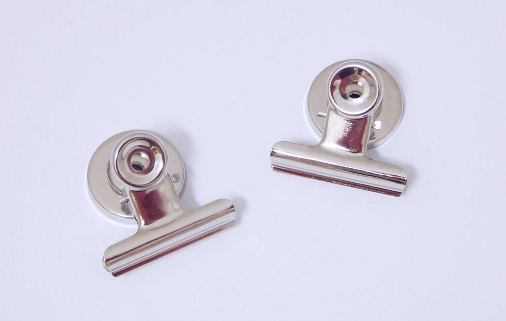 Klip HGA2741, pružinový s magnetem 31mm