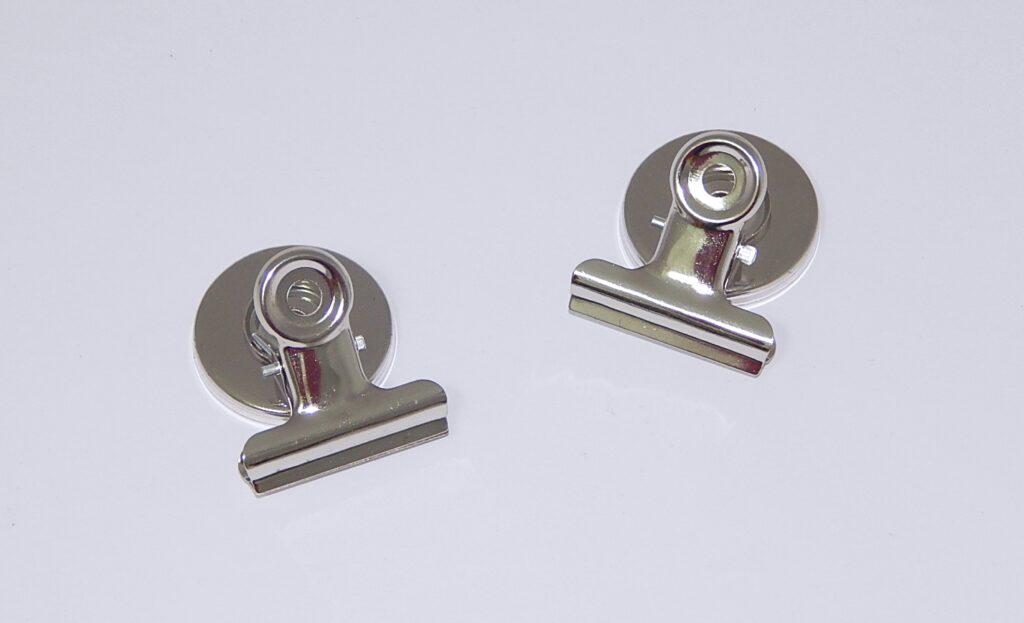 Klip HGA2742, pružinový s magnetem 38mm