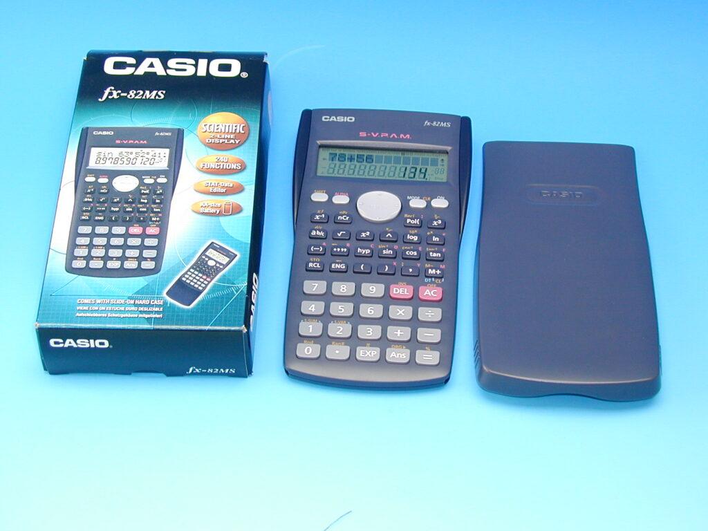 Kalkulačka CASIO FX-82MS