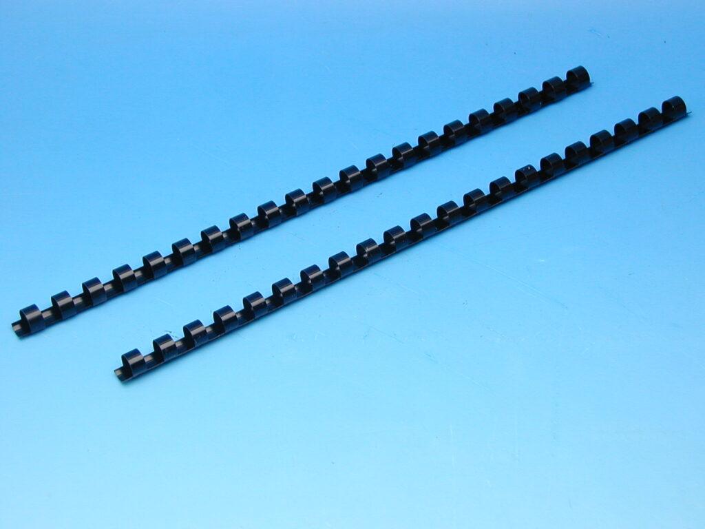 Hřeben 10 černý pro kroužk.vazbu
