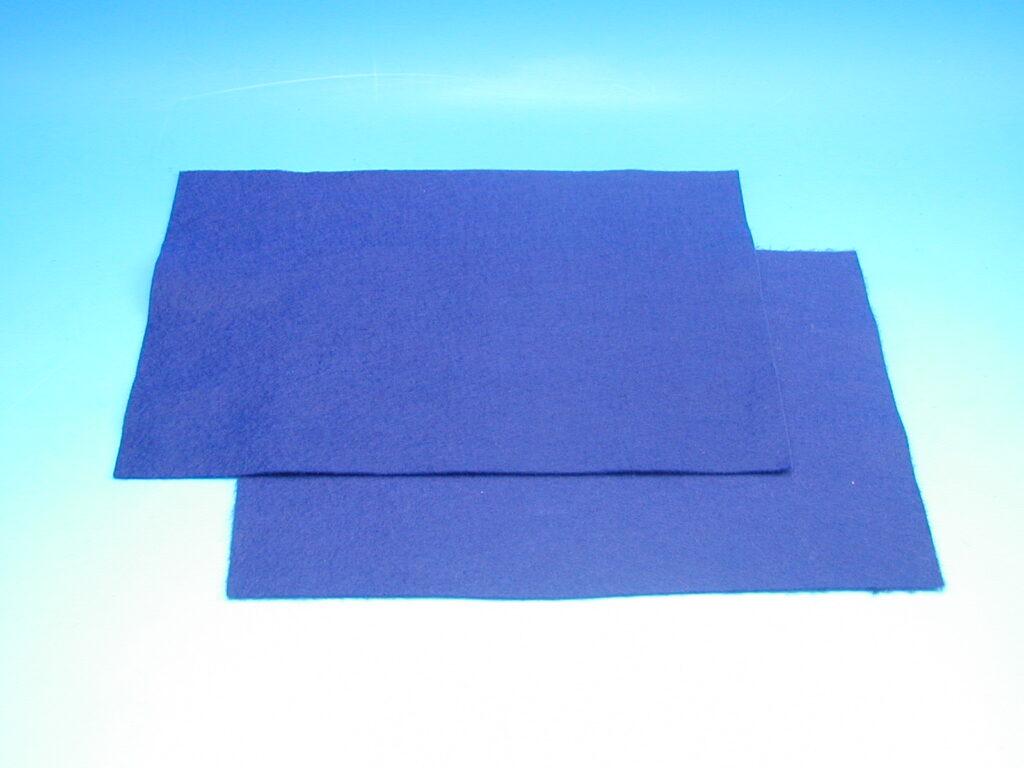 Plsť tm.modrá 140g 20x30cm 870507