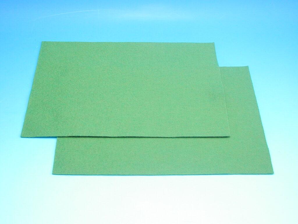 Plsť tm.zelená 140g 20x30cm 870509