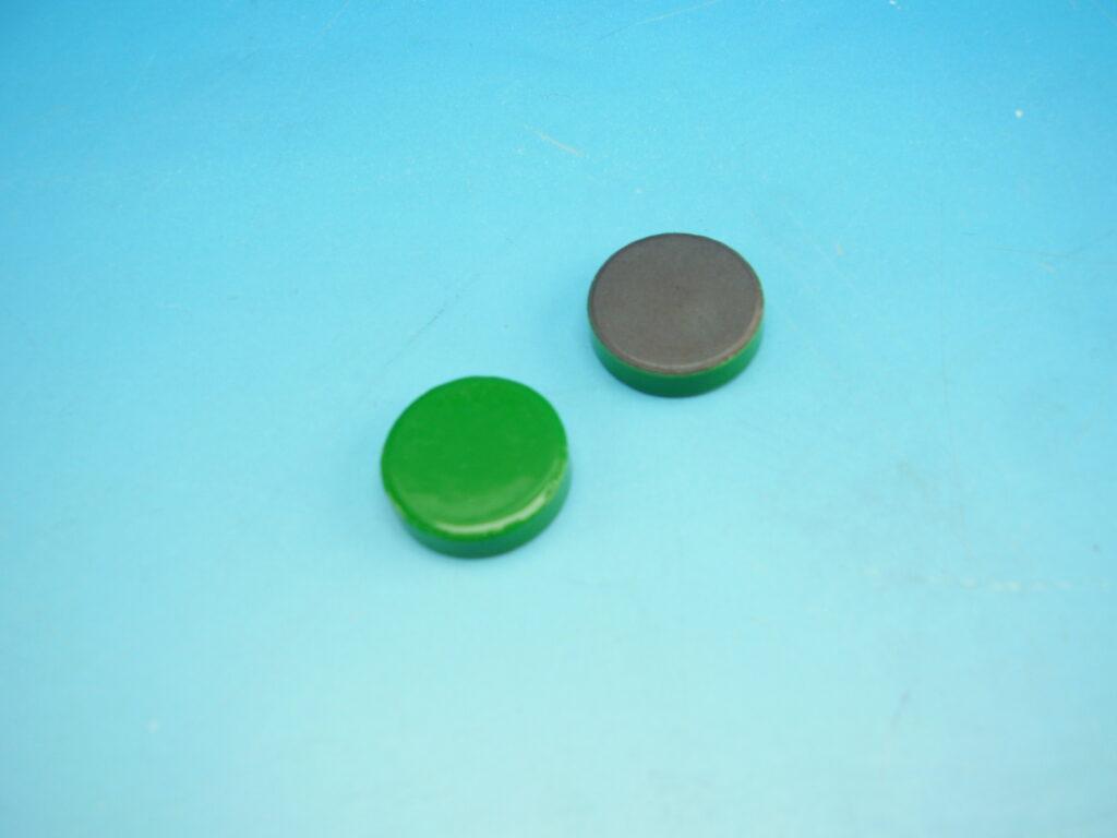 Magnet zelený průměr 2cm