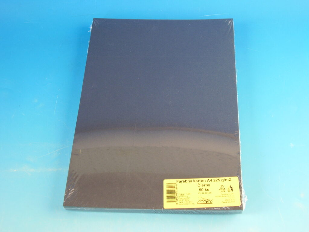 Karton kreslící A4/225 gr./50  černý