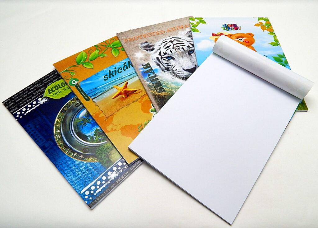 Skicák A4 lepený, 20 listů, barevný