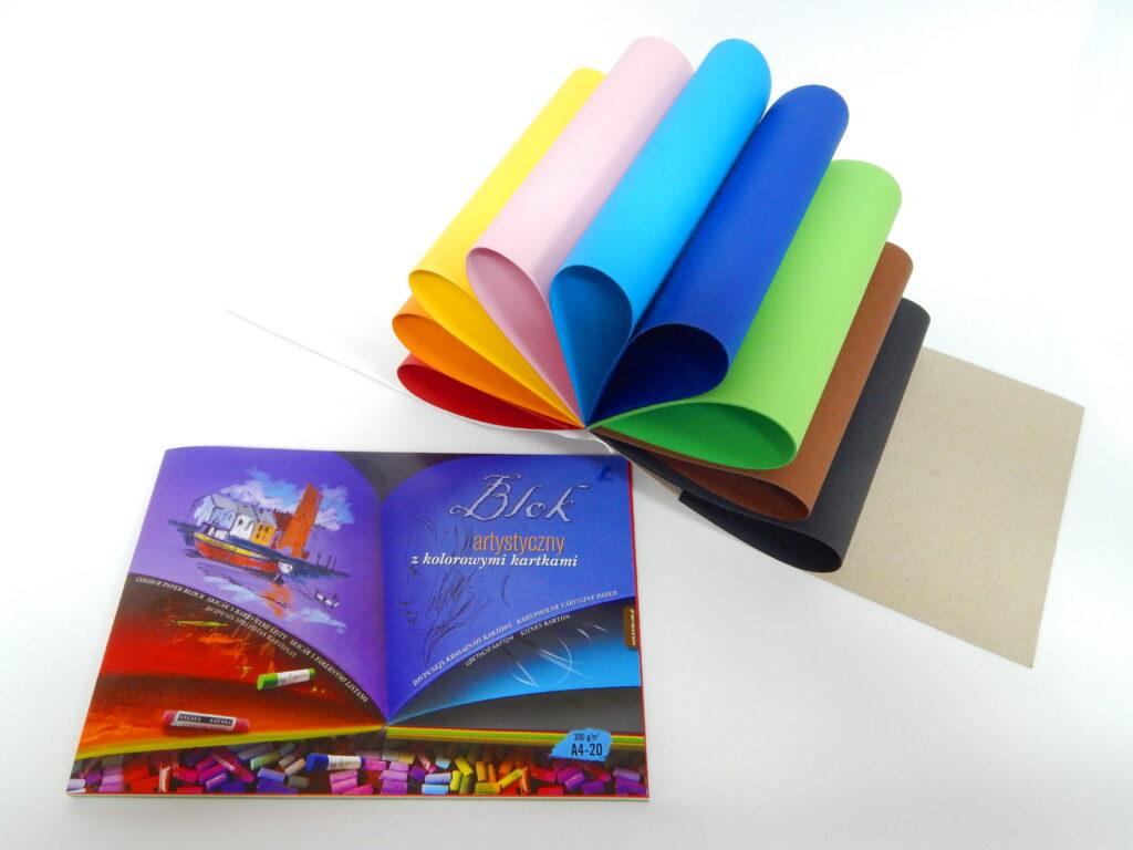 Blok barevných papírů A4 300 gr/20 listů