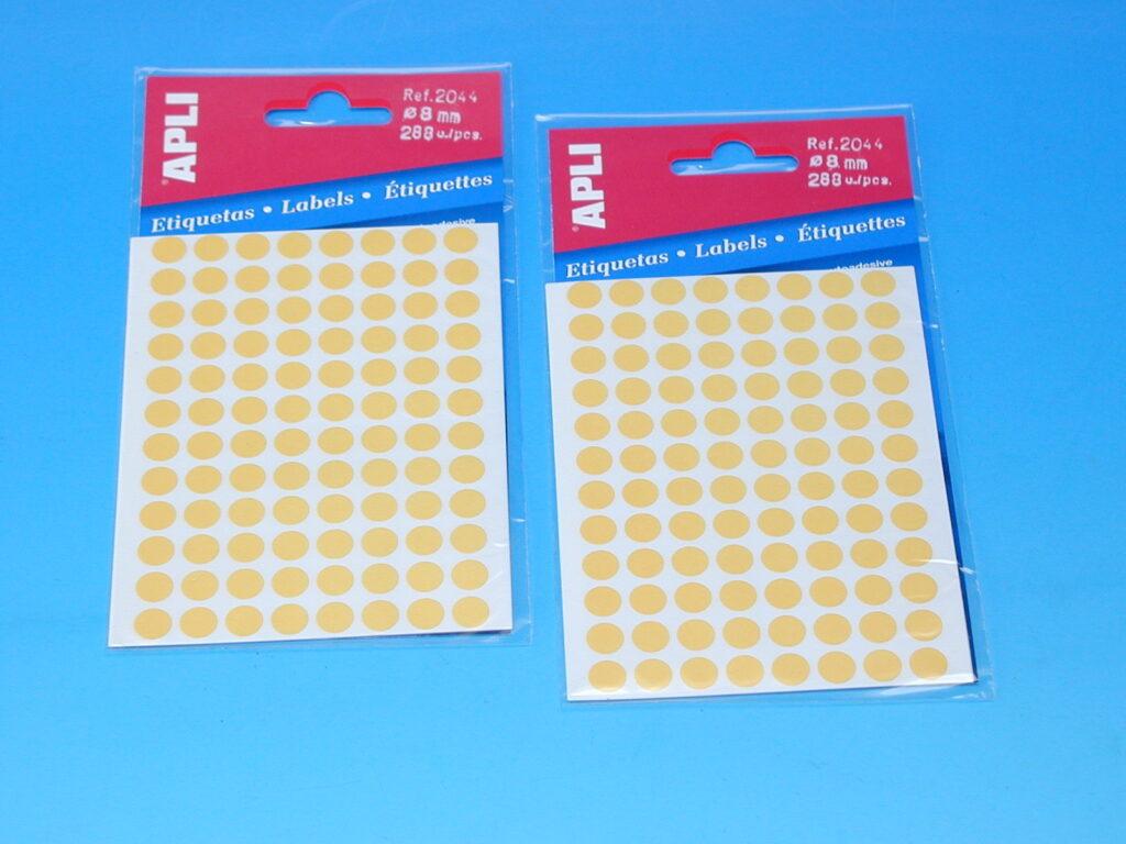 Etikety APLI pr. 8mm žluté   (2044)