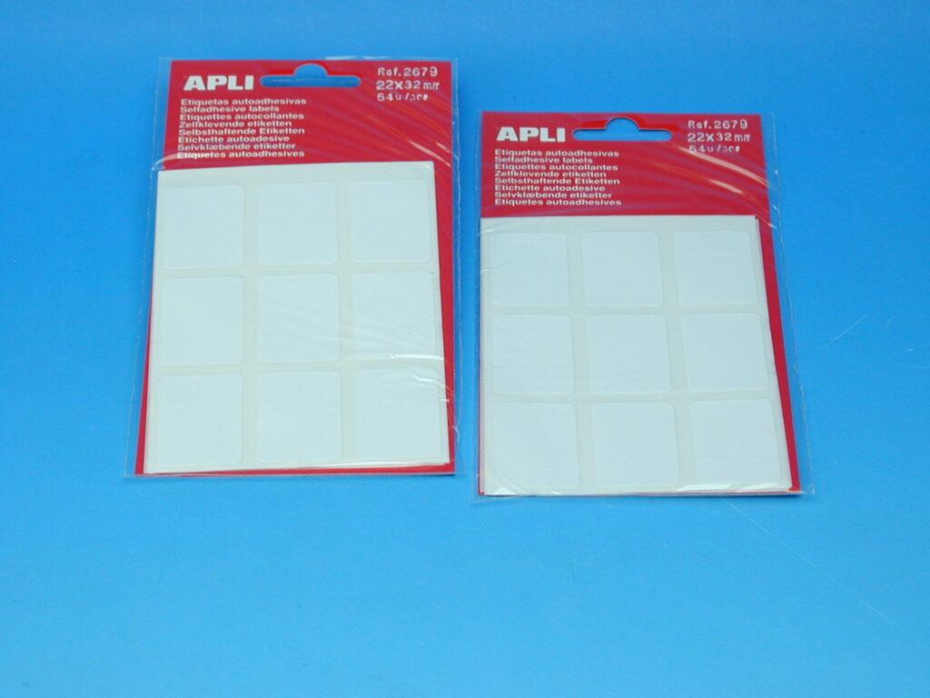 Etikety APLI 22x32mm bílé (2679)