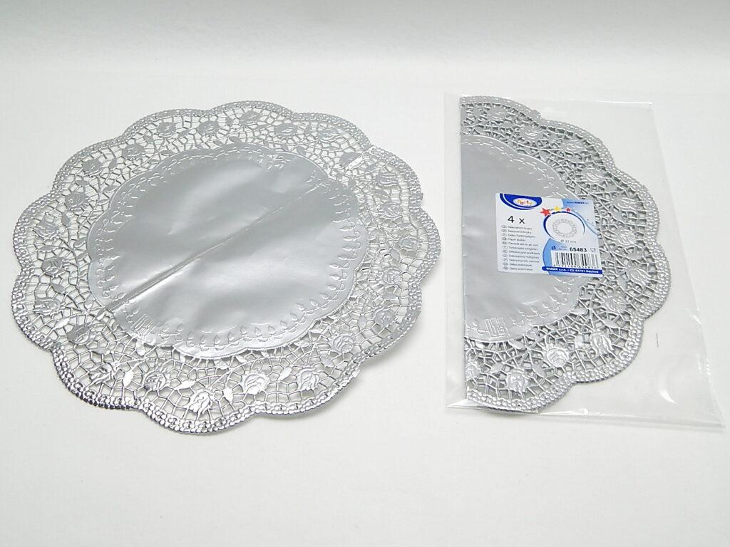 Krajka 65483  dekorativní kulatá 32cm, stříbrná/ 4ks/