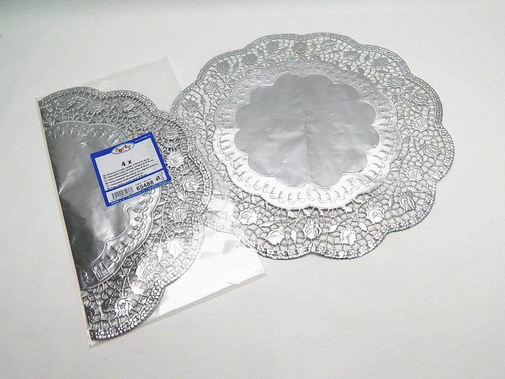 Krajka 65486 dekorativní kulatá 36cm, stříbrná / 4ks/