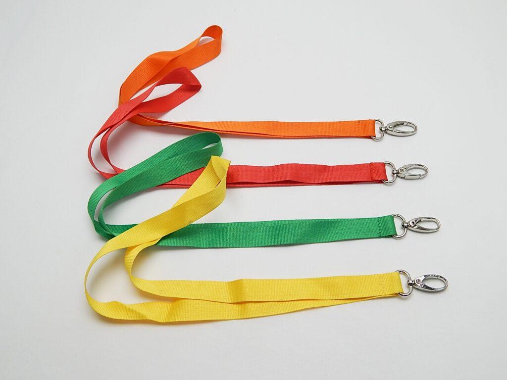 Šňůrka na klíče mix barev