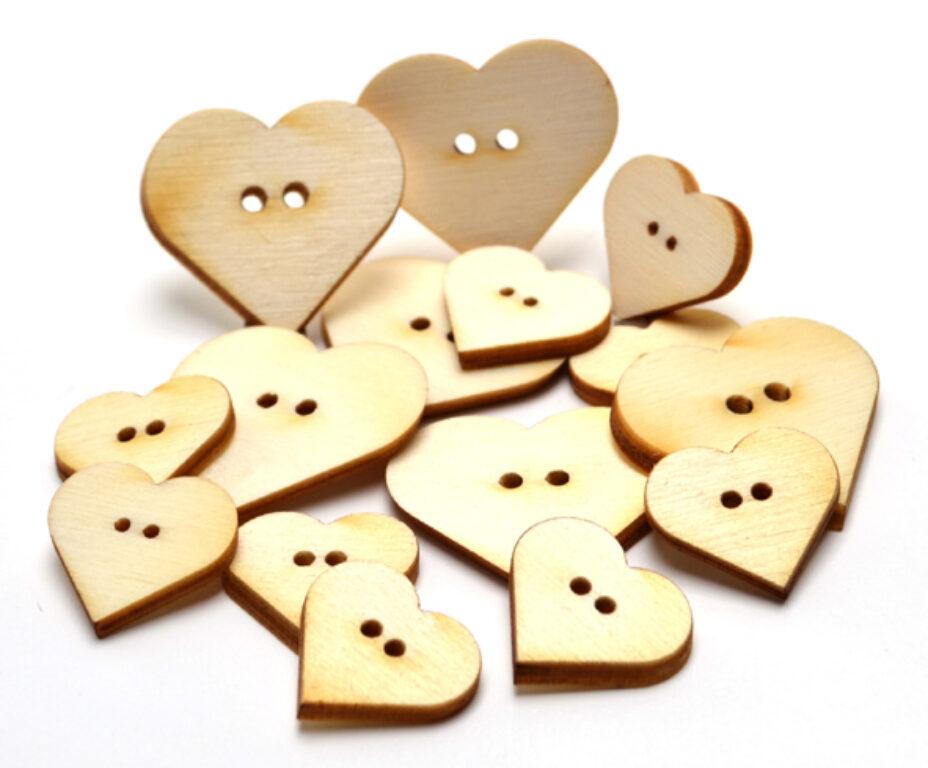 Výřez dřevěný Knoflíčky srdíčka MIX /10083/