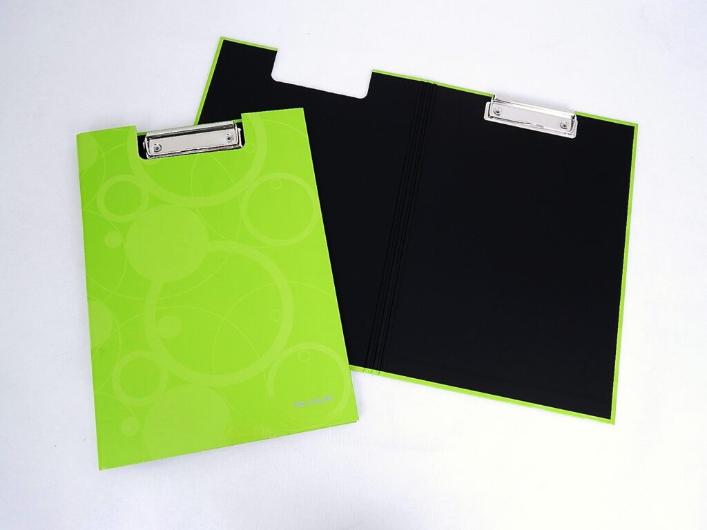 Deska A4 s klipem, rozkládací lamino NEO COLORI zelená /7-301