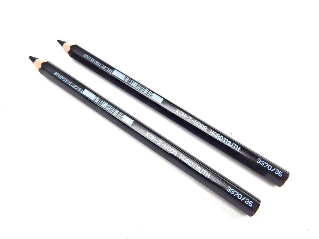 Pastelka 3370/36 černá OK10