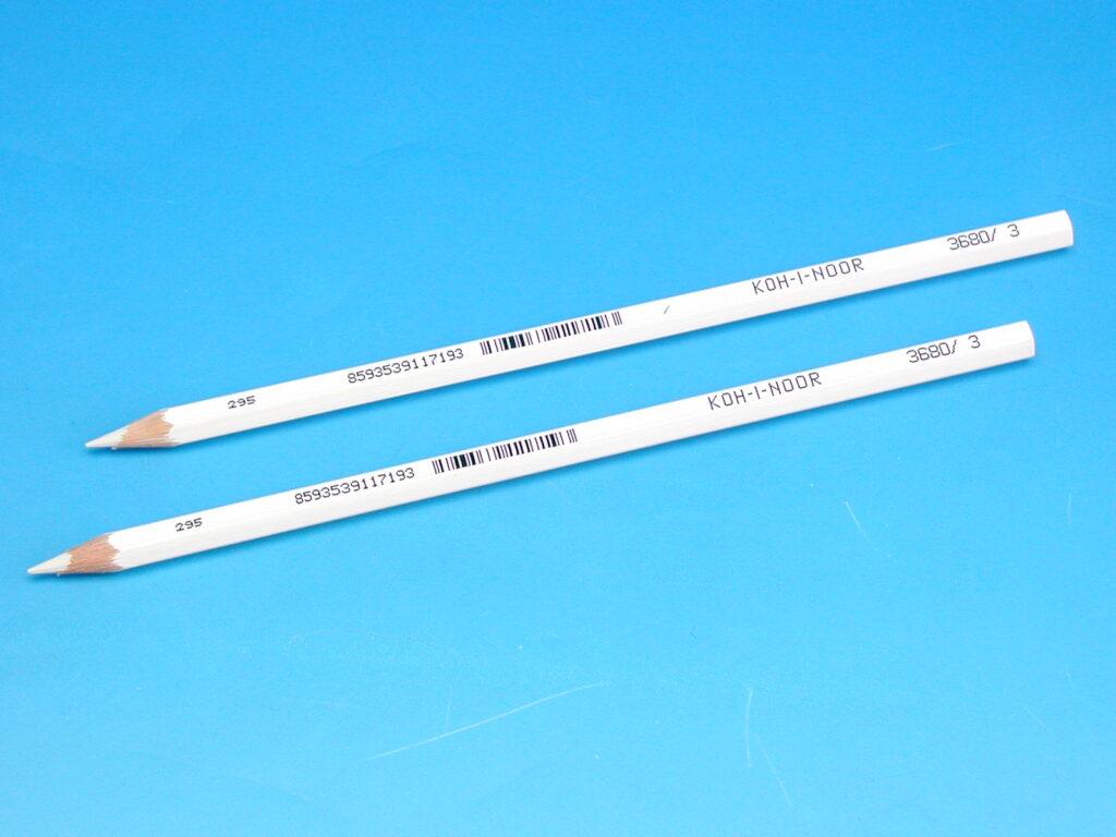 Pastelka 3680/03 BÍLÁ dlouhá