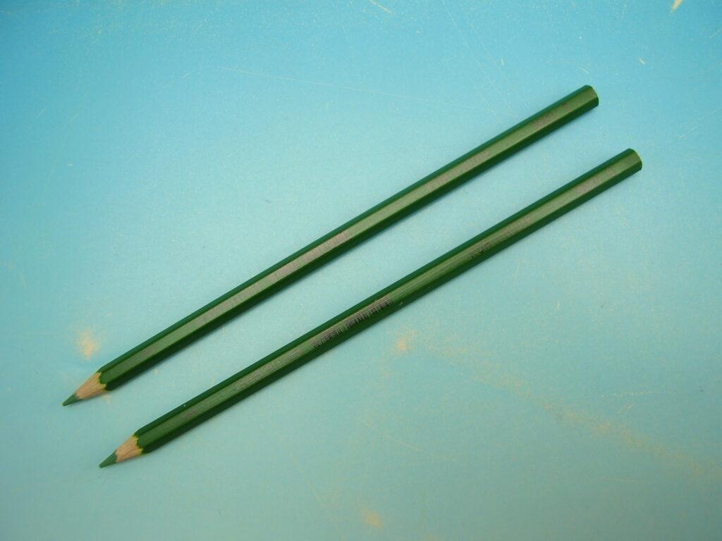 Pastelka 3680/05 TM. ZELENÁ dlouhá