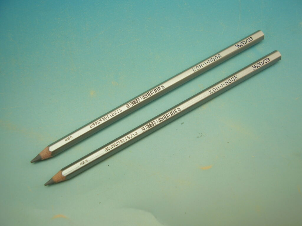 Pastelka 3680/39 stříbrná dlouhá