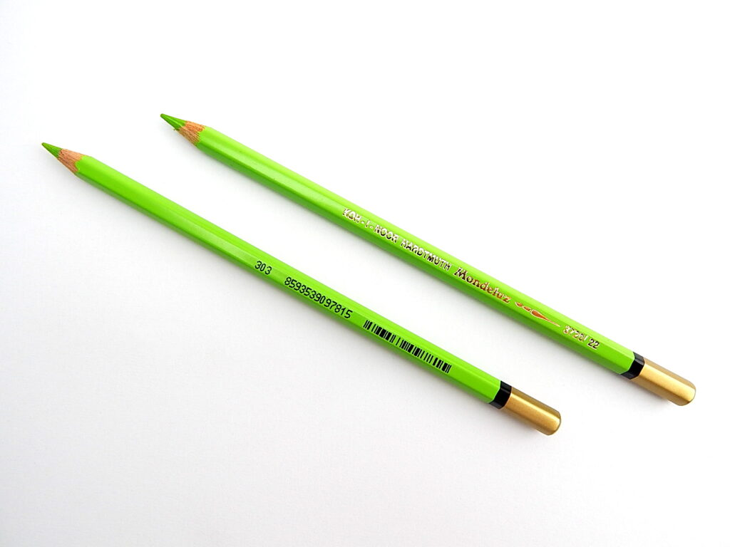 Pastelka 3720/22 zeleň žlutavá akvarelov