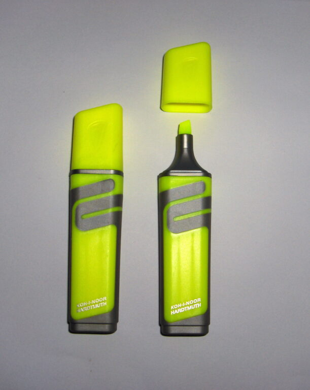 zvýrazňovač 2226 plochý žlutý