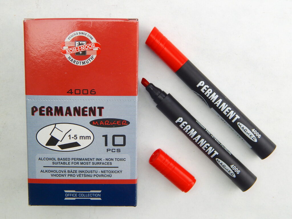 popisovač permanent 4006 červený