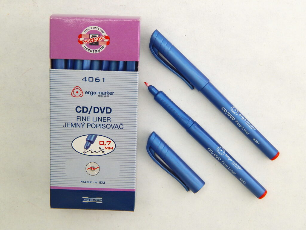 popisovač fine liner 4061 červený CD/DVD