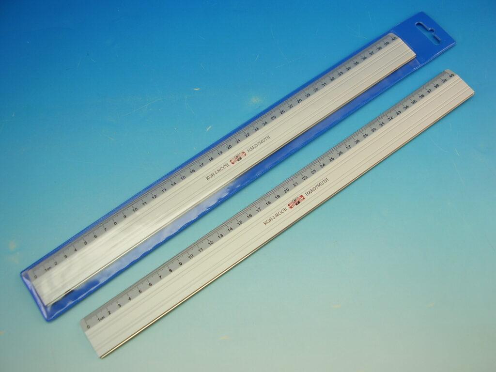 Pravítko 910304 40cm kovové řezací